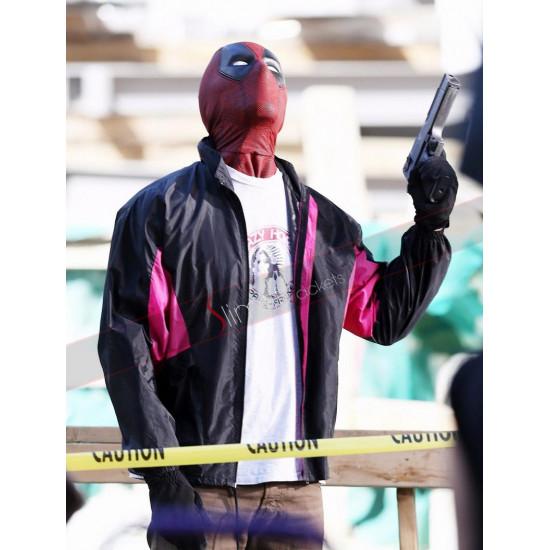 Deadpool 2 Wields A Gun Ryan Reynolds (Wade Wilson) Jacket